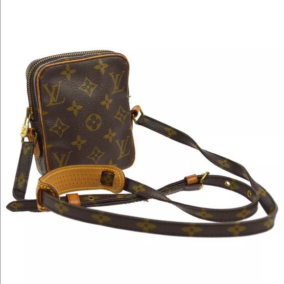ea4129795 Louis Vuitton Handbags - Authentic Louis Vuitton Danube Mini Crossbody