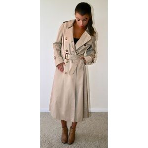 52cd665ac7874f Burberry Jackets & Coats - Authentic Women's Vintage Burberry Trench Coat