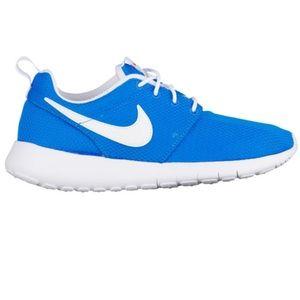 Nike Blue Glow In The Dark Roshe Sneakers