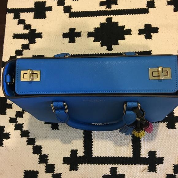 henri bendel Bags - Henri Bendel blue tassel crossbody purse