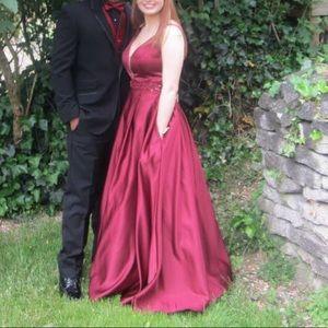 Dresses & Skirts - Burgundy Prom dress