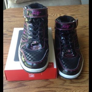 Shoes - Women's Sneakers