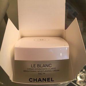 Chanel Le Blanc moisturizing cream