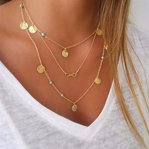 Jewelry - Dainty Layered Gold Tone Necklace