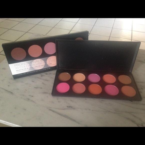 BH Cosmetics Other - BH Cosmetics 10 Colour Glamorous Blush Palette