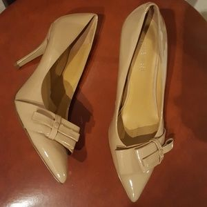 Nine West Nude Patent leather pumps 5.5