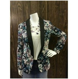 🍒LC Lauren Conrad🍒 Floral Blazer/jacket size 4