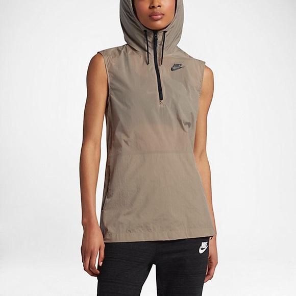 b60b721481fa Nike Sportswear Tech Hypermesh Vest. M 597966842599fe212d0078c1