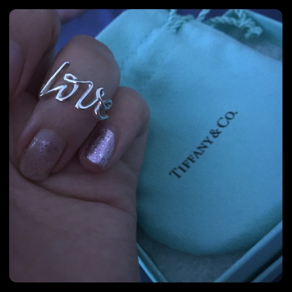 c409495d5759 Tiffany co jewelry tiffanyco paloma picasso graffiti love ring jpg 580x580 Palomas  graffiti love tiffany ring