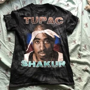2pac graphic tee