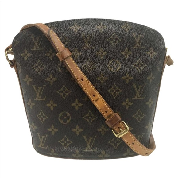 39e32c391ce6 Louis Vuitton Handbags - Louis Vuitton drouot monogram small shoulder bag