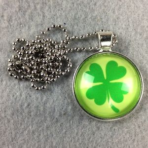 Jewelry - New Good Luck 🍀 Necklace