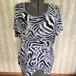Black and white print top.