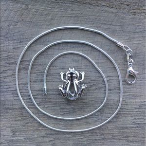 Jewelry - Frog Pearl Cage Necklace