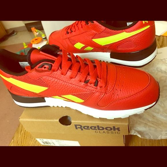d5d4af880c Reebok sapatos sapatos Reebok Tamanho 105 And 95 Never Used Poshmark fab466