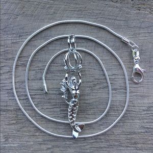 Jewelry - Mermaid Pearl Cage Necklace