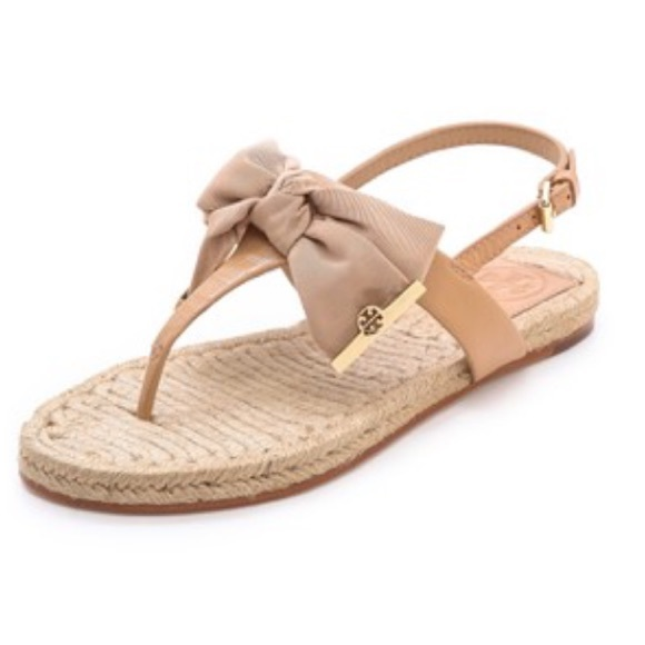 5ae1ca79643 Tory Burch penny flat thong sandals with bow. M 597f65012ba50a5c501060cd