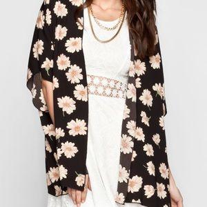 TILLY'S daisy kimono
