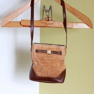😎Vintage Etienne Aigner mini purse