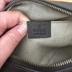 f1c1a4a95a0 Gucci Bags - Authentic Gucci Webby Bee Crossbody Bag