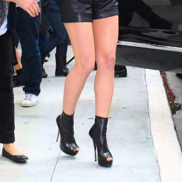 c0b4f0f4980e Gucci Black Nappa Leather Peeptoe Booties Size 39