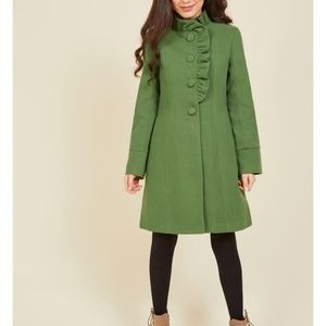 Ruffle your weathers coat in Shamrock size L