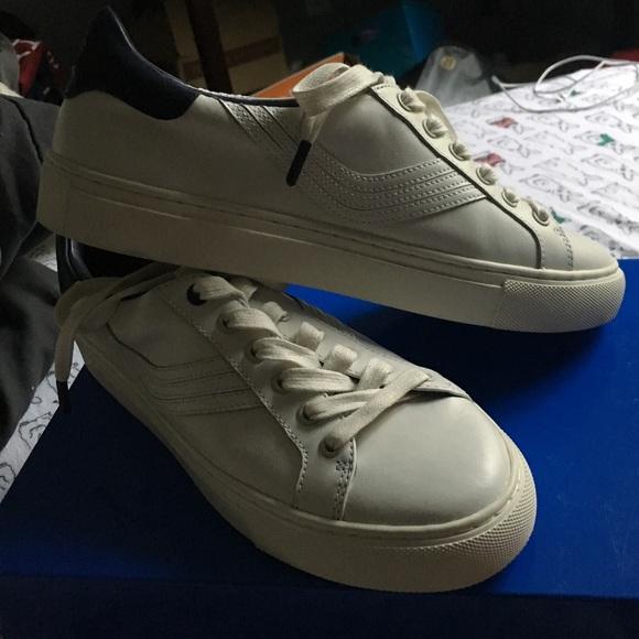 6583f38358e6 Brand new Tory Sport sneaker