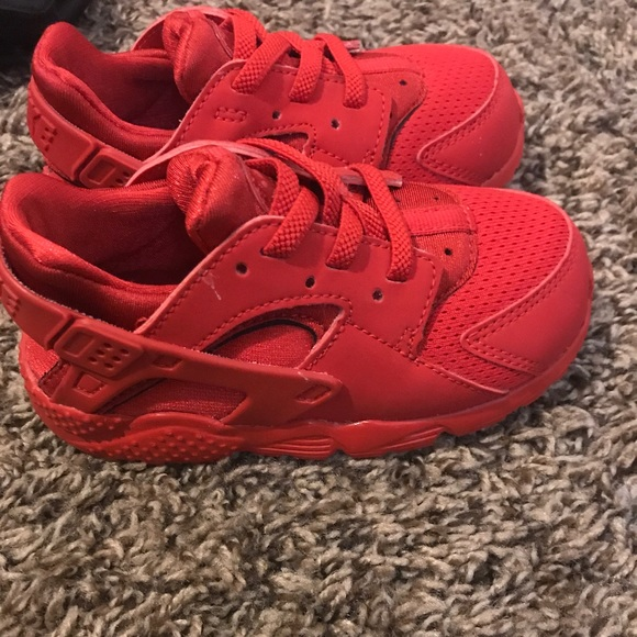 Nike Shoes | Toddler Red Huaraches Size