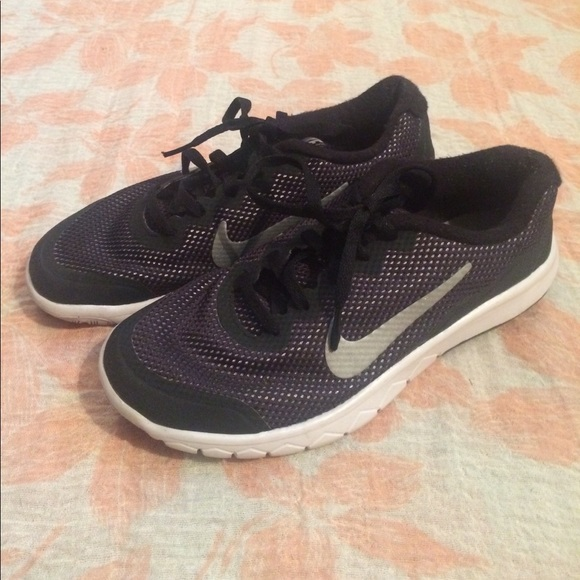 Nike flex experience RN 4 youth shoe 👟. M 597a737fa88e7df3b0007566 46c89a151f