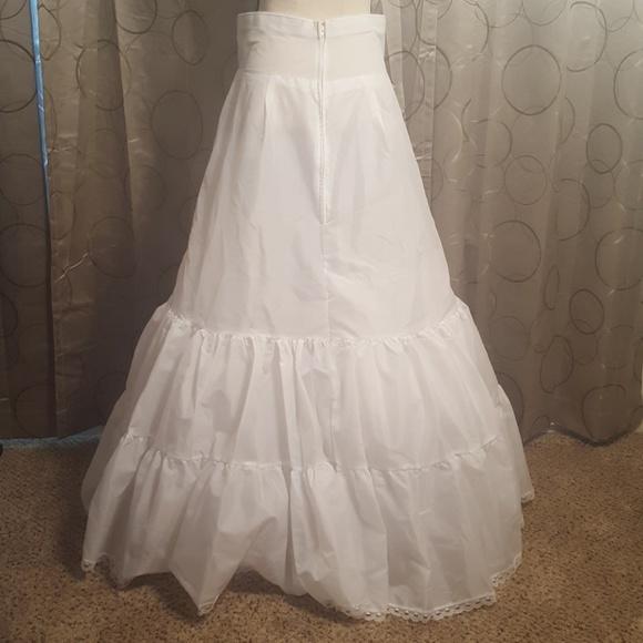 60 off davids bridal other tulle under skirt for a for Tulle skirt under wedding dress