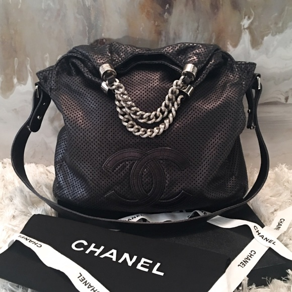 728c4edfa492 CHANEL Handbags - Auth CHANEL Rodeo Drive Limited Perforated Bag