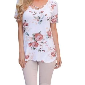 Tops - JUST IN 🌷 Criss Cross Floral Top