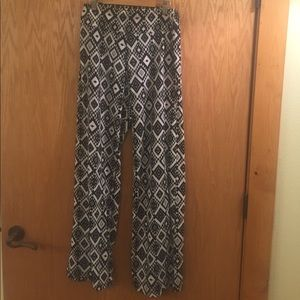 Pants - Black and white printed soft pants