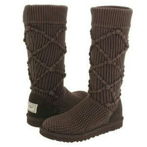 NEW! Brown Knit Uggs