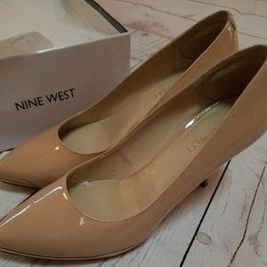 Statement nude patent leather heels Nine West Sz 6