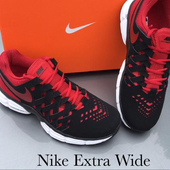a934e19eff9 New Nike Men s Trainer in Extra Wide!