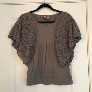 Tops - Grey lace sleeve top