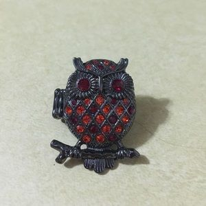 Jewelry - Metal stretchy owl ring with inlaid jewels