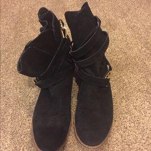 Slouchy black STEVE MADDEN booties