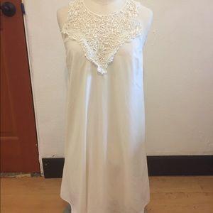 Dresses & Skirts - White Lulu's dress