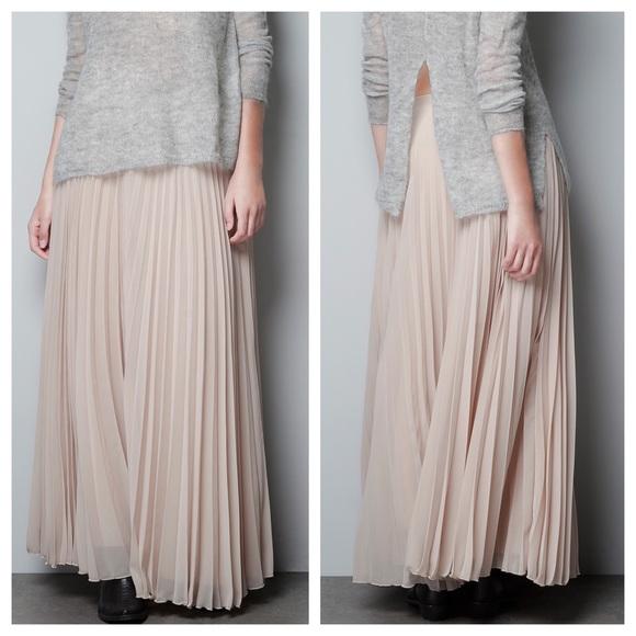 d934ec5909f8 Zara Skirts