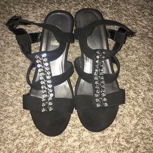 Shoes - Black Small Wedges