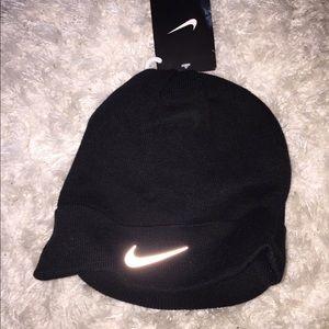 Nike Accessories - NIKE Run Radar Crew Beanie Unisex 9526076d927