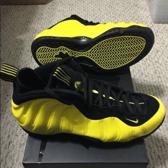 detailing e1371 f660c Yellow and black foams