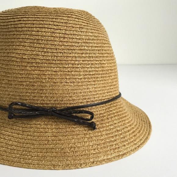 Accessories - Natural Cloche Hat NWOT