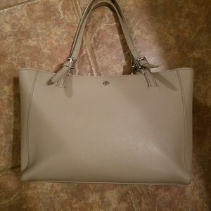 AUTH TORY BURCH BUCKLE TOTE