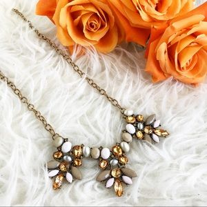 Jewelry - Glamour statement necklace