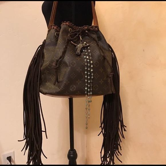 ba102e80daac9 Louis Vuitton Handbags - Vintage Boho LV