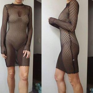 Dresses & Skirts - Nwt PLT fishnet black edgy glam midi dress S