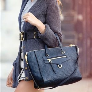 Louis Vuitton Bags - Louis Vuitton Empreinte Lumineuse PM in Infini 452f45156e1